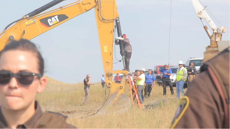 happi-_american_horse_direct_action_against_dapl_august_2016.png